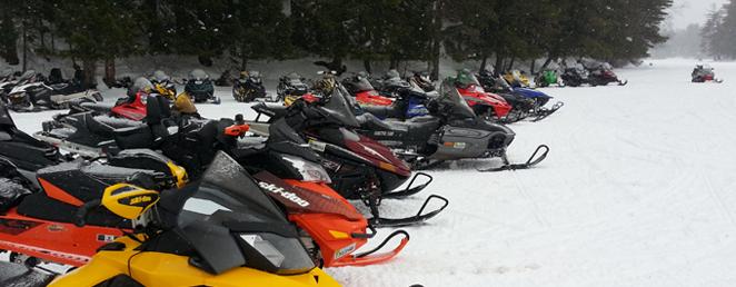 blue-mt-rest-winter-snowmobiles